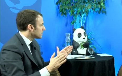 "macron_transition_ecolo_floue Capture d'écran du ""Panda-live"" interview de Macron par WWF France"
