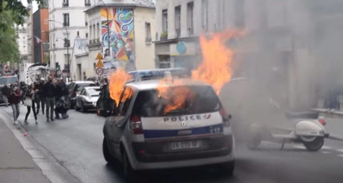 voiture-incendiee-justice-carbonisee